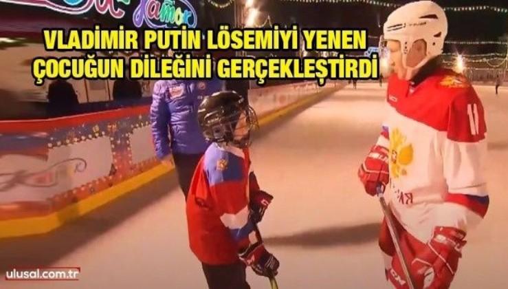 Vladimir Putin lösemiyi yenen çocuğun dileğini gerçekleştirdi: Birlikte Kızıl Meydan'da hokey oynadılar