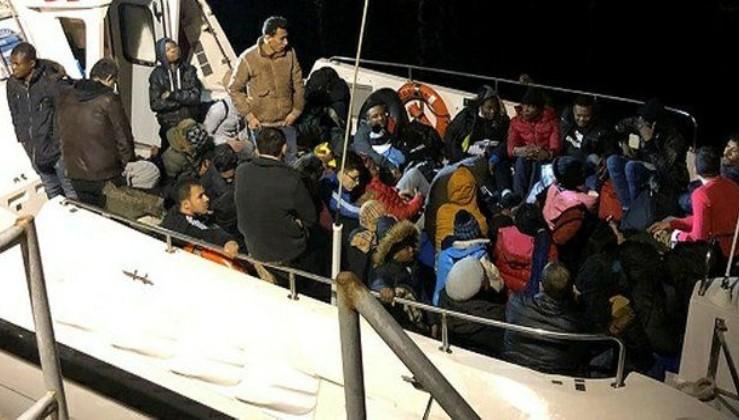 İzmir'de 43 düzensiz göçmen yakalandı.