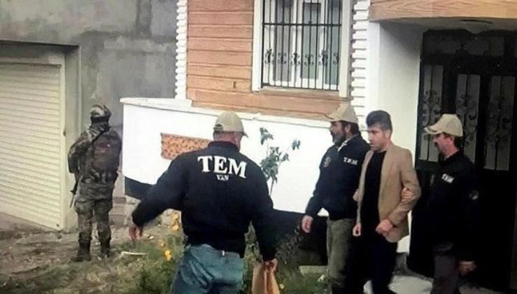 Terörden gözaltına alınan HDP'li İpekyolu Belediye Başkanı Azim Yacan tutuklandı.