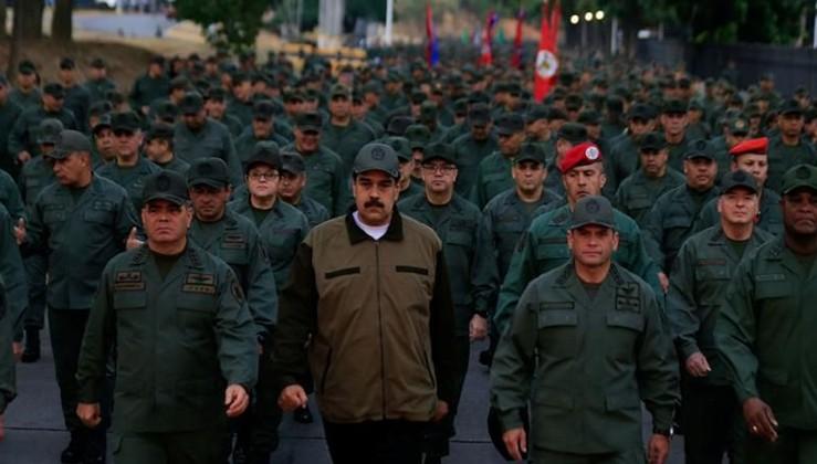 Maduro: Darbecileri yakaladık ve hapse attık