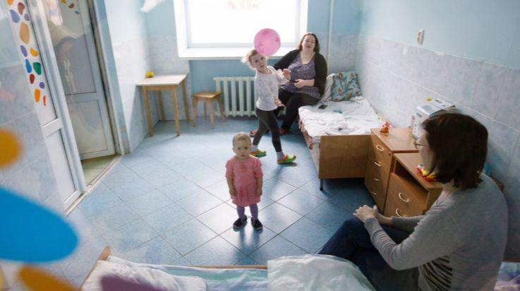 """""""Забороняється м'які іграшки, рушники, килими"""" - МОЗ запропонували умови роботи дитсадків у період карантину"""