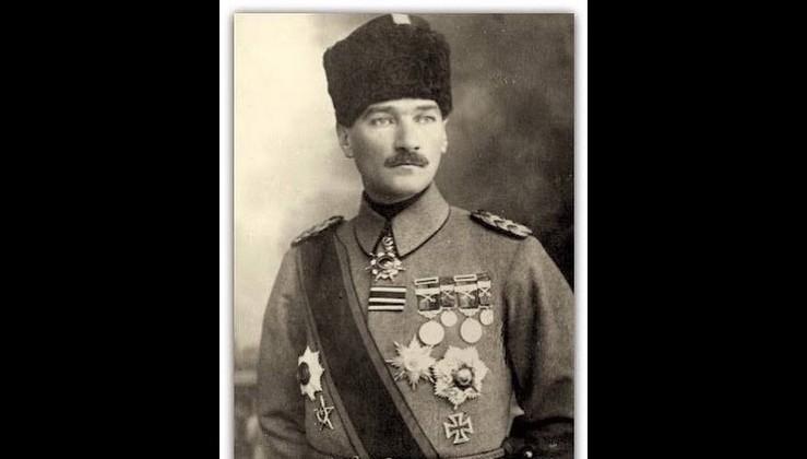 1. Haziran 1915 Atatürk'ün, albaylığa yükselmesi.