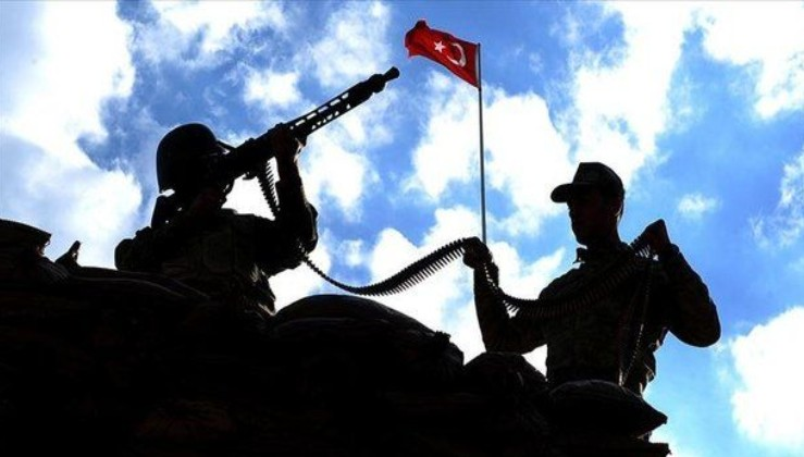 İkna edilen PKK'lı terörist teslim oldu