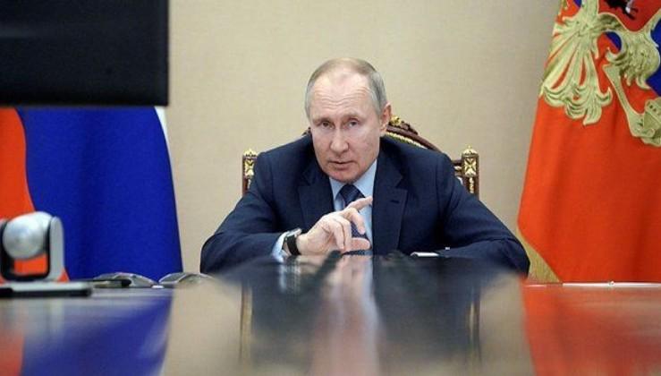 Türkiye'yi de yakından ilgilendiriyor! Putin'den Ruslara tatil müjdesi