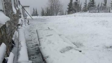 """""""Літня зима, чи зимове літо?"""" - Як Карпати в останній день весни засипало снігом (відео)"""