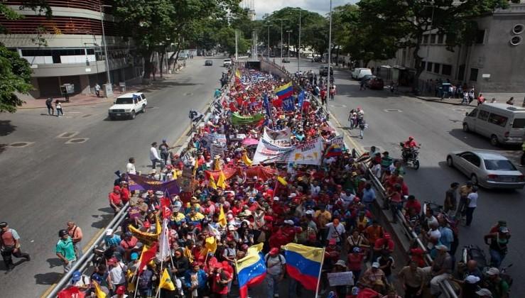 Venezuela'da halk Morales için sokağa çıktı
