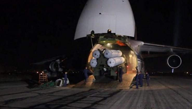 S-400'ler kargo uçaklarına yüklenmeye başladı