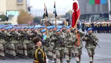 Fırtınalar dursun yana Yol ver Türk'ün bayrağına