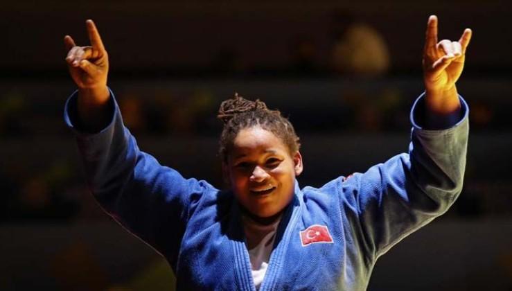 Avrupa Judo Şampiyonu oldu sevincini 'bozkurt' yaparak gösterdi