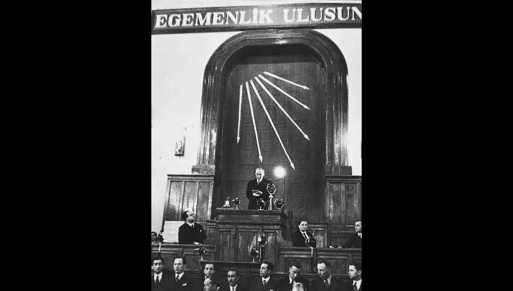 Prof. Dr. Tülay Özüerman: CHP  CUMHURİYETTİR!...