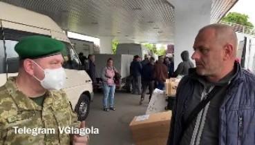 """""""Водії і митники - сторгувалися"""" - Система перетину кордону """"італійськими бусами"""" таки змінилася (відео)"""