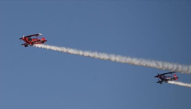 Baba kız akrobasi pilotlarından Ata'ya saygı uçuşu