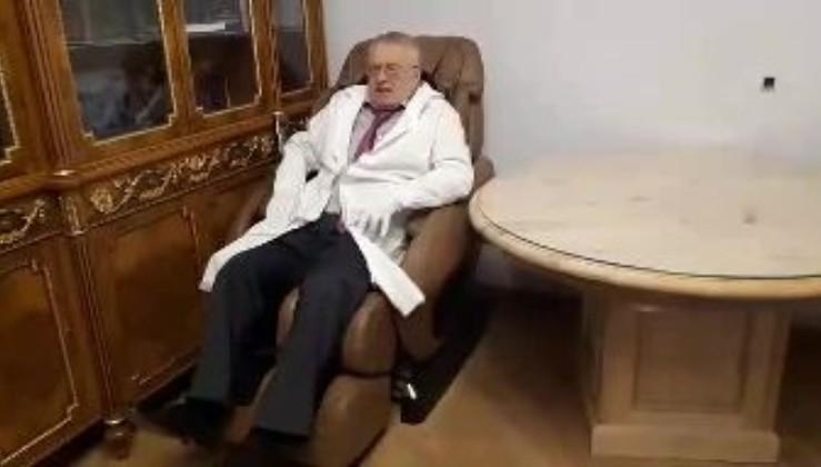 """""""Викликали лікарів!"""" - У Жириновського трапилася нова І_С_Т_Е_Р_И_К_А через К_О_Р_О_Н_А_В_І_Р_У_С (кумедне відео)"""